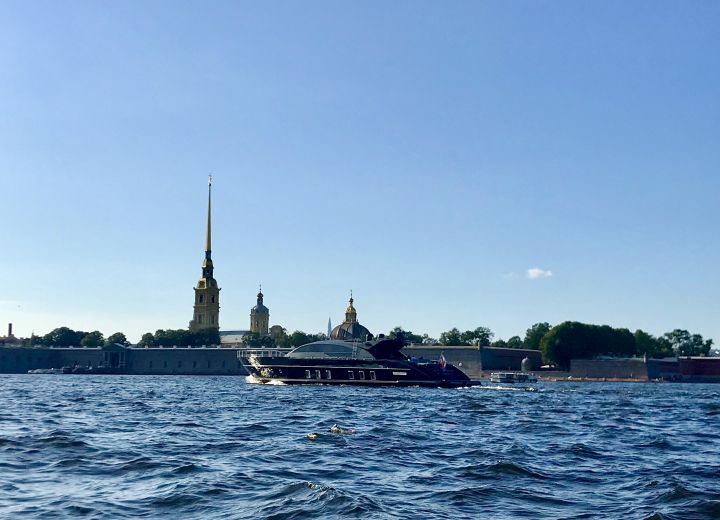 Boat tours in St. Petersburg
